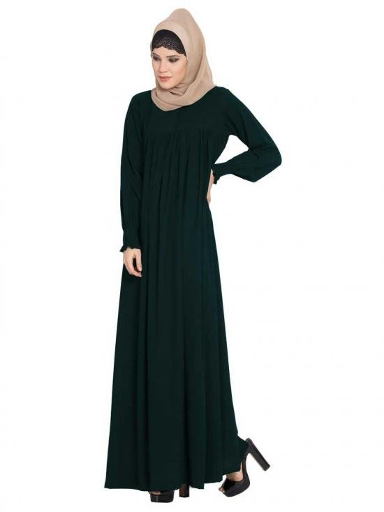 Abaya in Nida Matte with a Perfect Balance in Green
