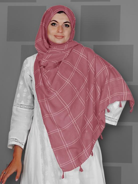Premium Cotton Stole With Box Pattern And Tassel Work In Puce Pink