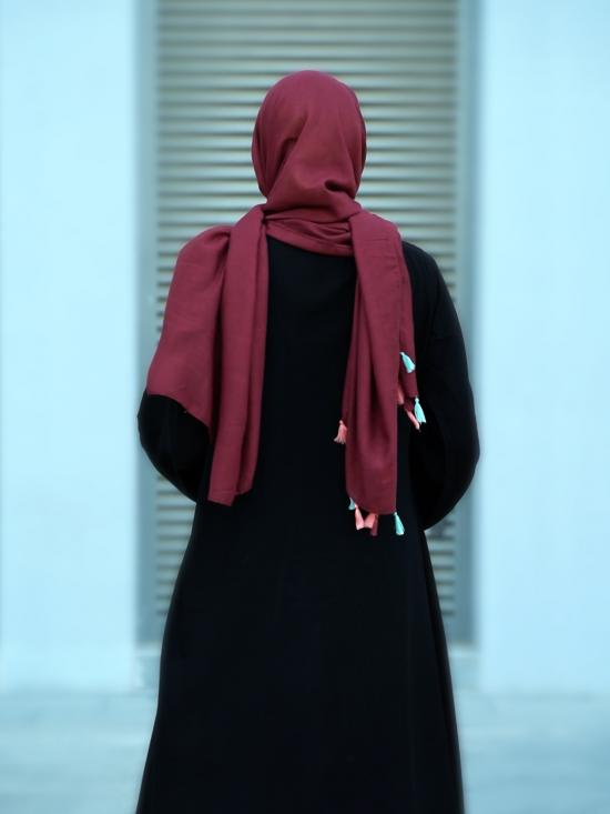 Masha Crepe Free Size Abaya With Attached Shrug In Maroon And Black